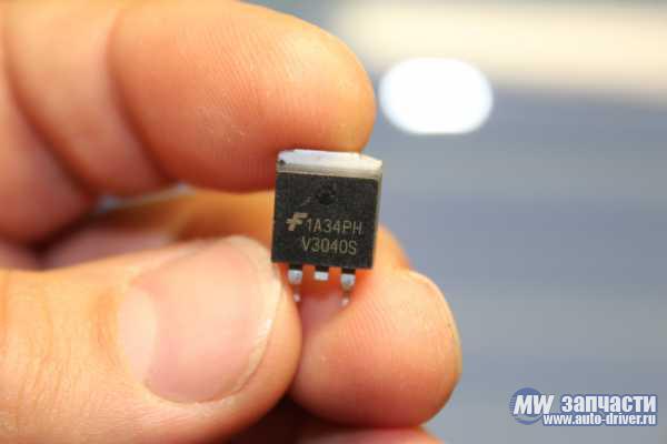 электронные компоненты, Транзистор V3040S